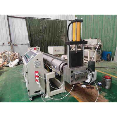 Plastic pipe crusher and granulating machine