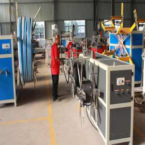Máquina extrusora de tubos corrugados de pared simple de alta velocidad PP / PE / PVC
