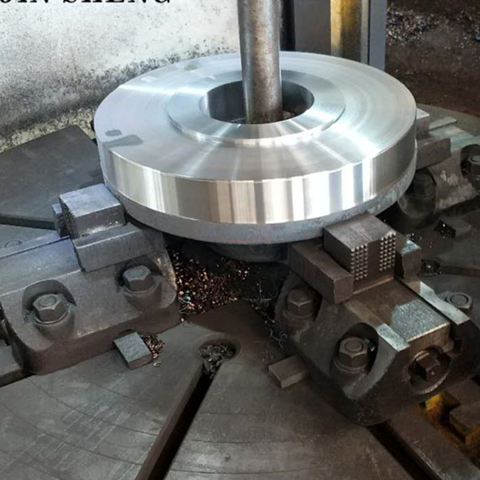Lathe machine processing of WN flanges