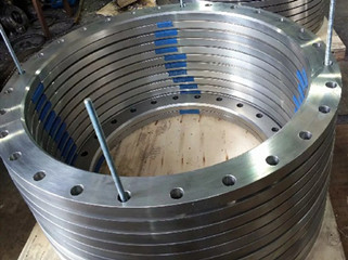 finished flanges in the warehouse