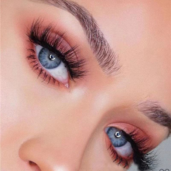 5 pairs of hard-stemmed 3D multi-layered thick, realistic and natural false eyelashes