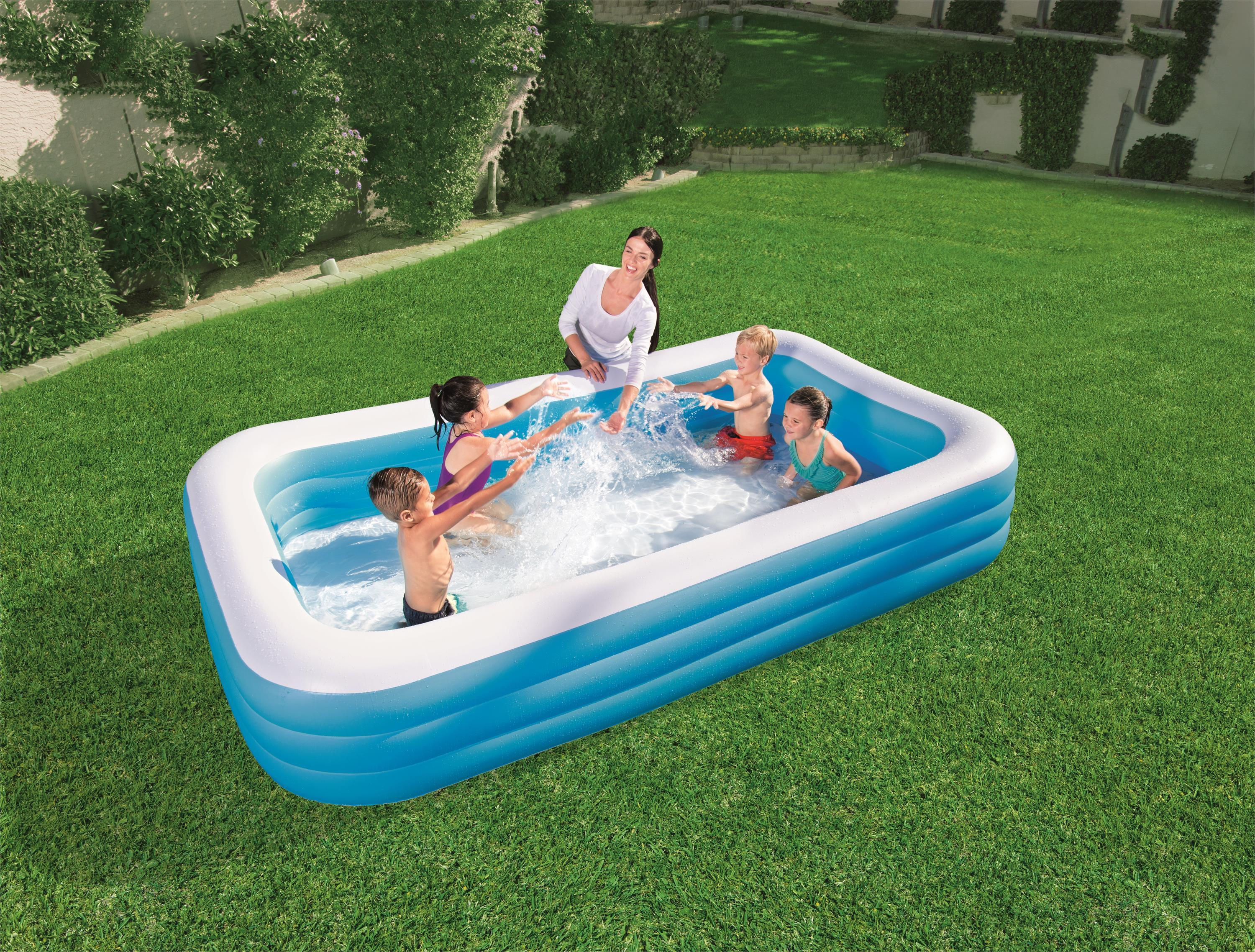 Three-ring rectangular pool