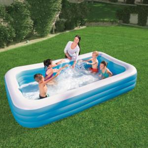 Three-ring rectangular pool