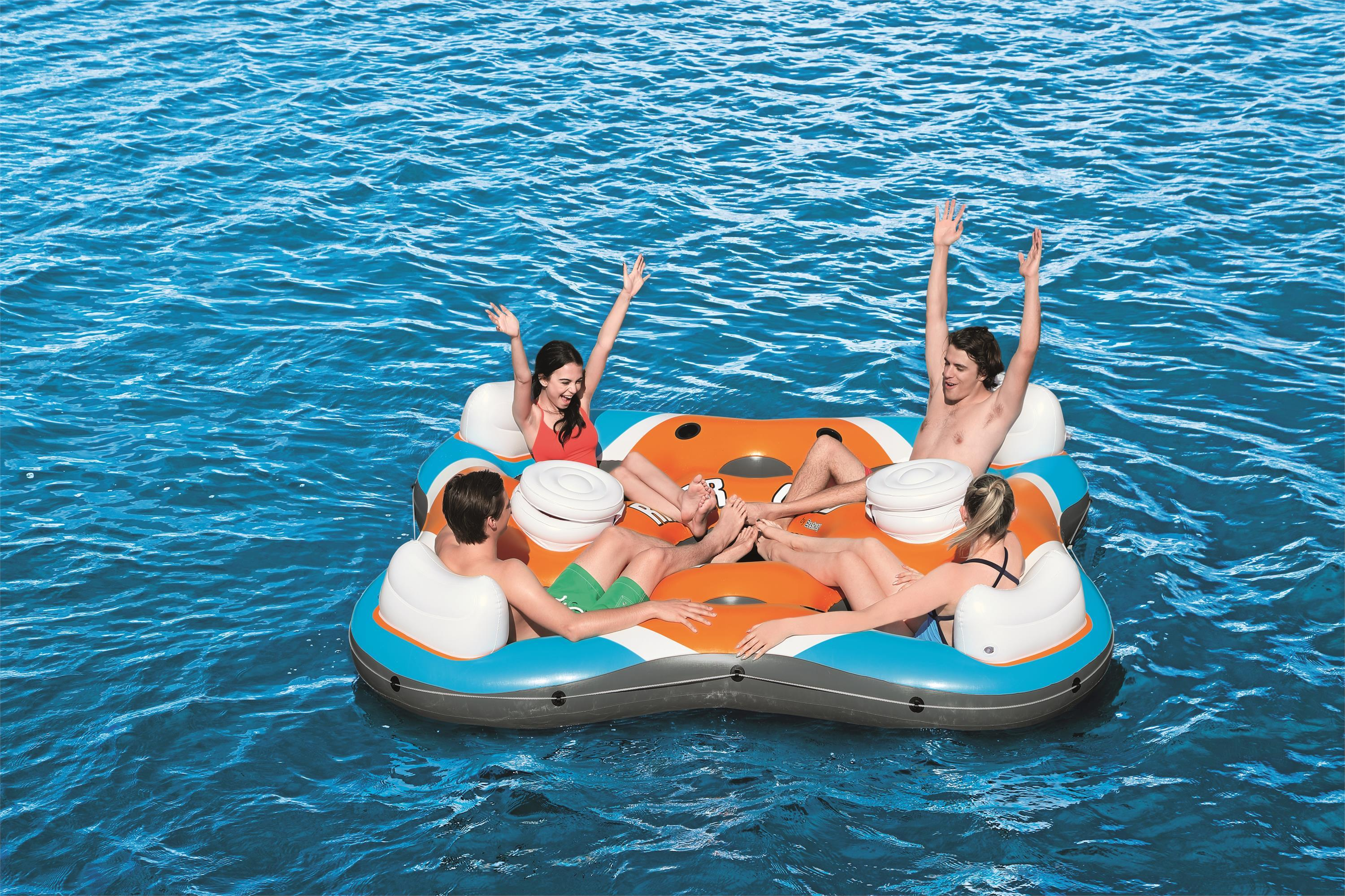 Four-person floating island