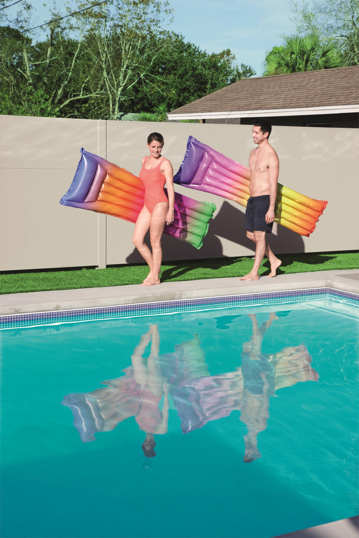 Rainbow floating row