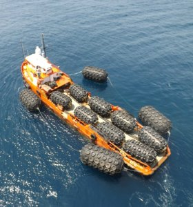 50KPa Yokohama Floating Pneumatic Rubber Fender for LNG Jetty with BV CCS ABS Certificate
