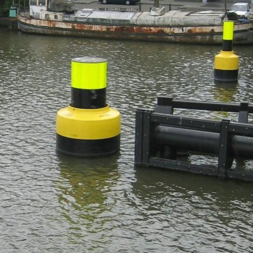 Polyurethane Coated Foam Filled Floating Donut Fenders on Poles for Ship Guarding