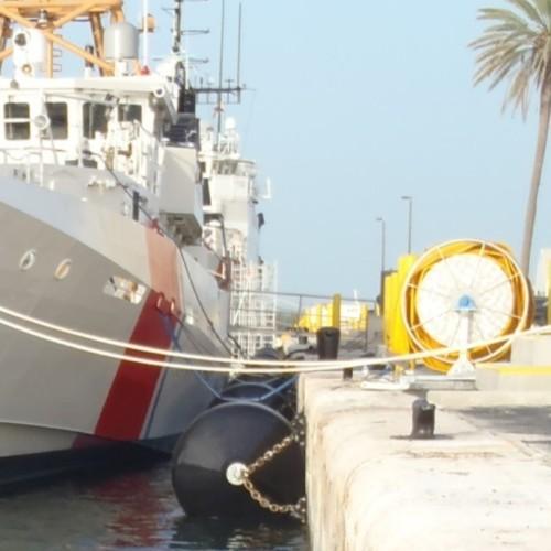 EVA Polyurea Spraying Coating Dock Cushion Foam Filled Fender For Ship Boat