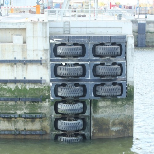 Marine Ship Roller Rubber Fender For Locks And Dry-dock Entrances