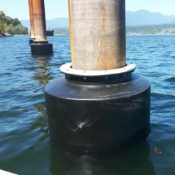 Floating Polyurethane Donut Fender with Low Friction UHMW PE Pad