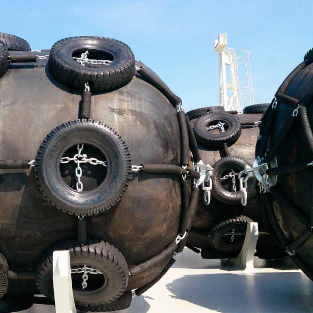 What are Outer and inner rubber material requirements for Yokohama type floating fenders