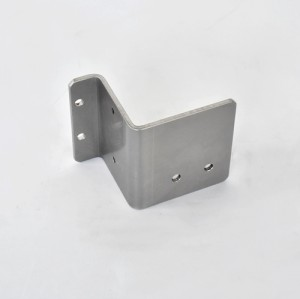 Sheet metal parts processed with SUS304 material are used for fixing devices