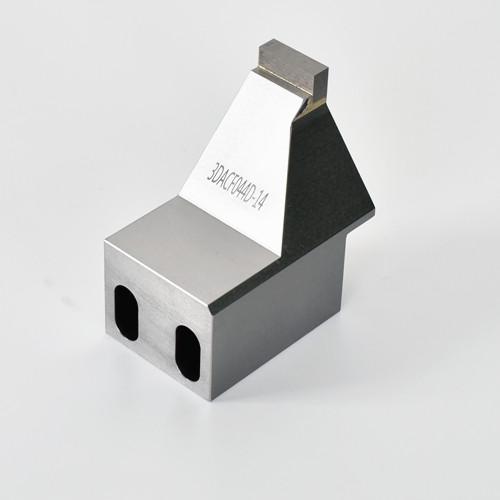 铁和超硬材料焊接在一起的精密加工零件