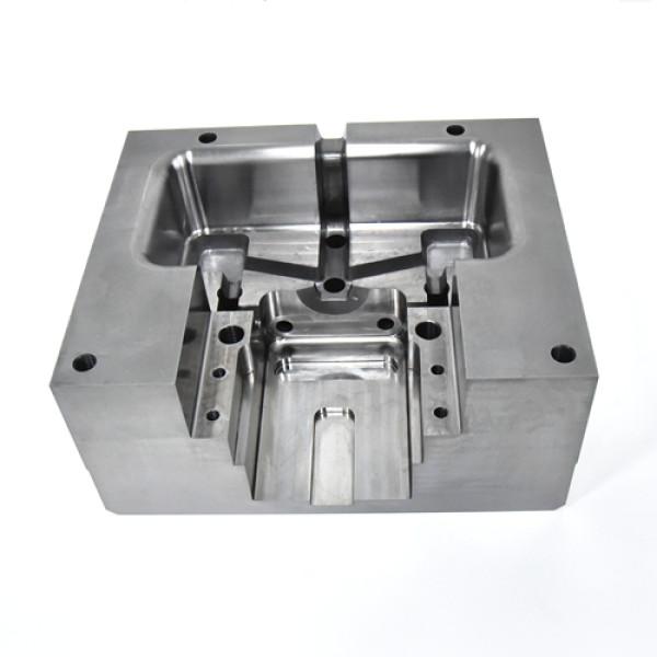 Lavorazioni meccaniche di precisione CNC parti di stampi in alluminio pressofuso