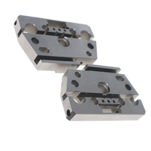 Pezzi meccanici di precisione per macchine per tornitura e fresatura CNC materiale S45C