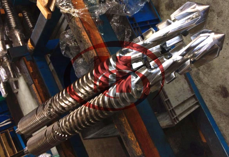 Special designed WPC screw with Bimetallic material
