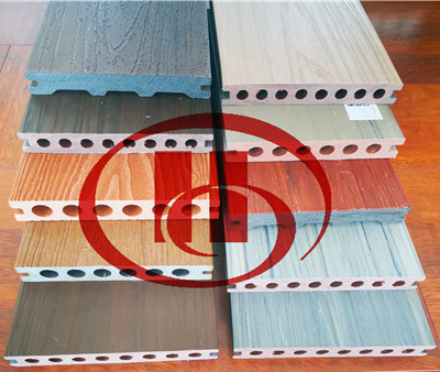 WPC products making machine by using 70% wood powder and recycled plastic