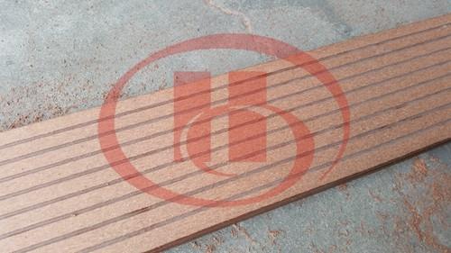 WPC decking sanding machine