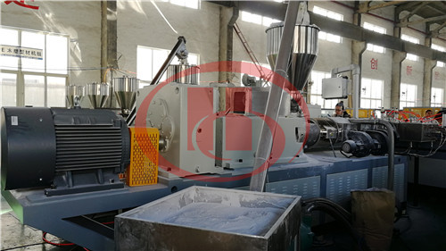 PVC WPC hollow board feeder machine