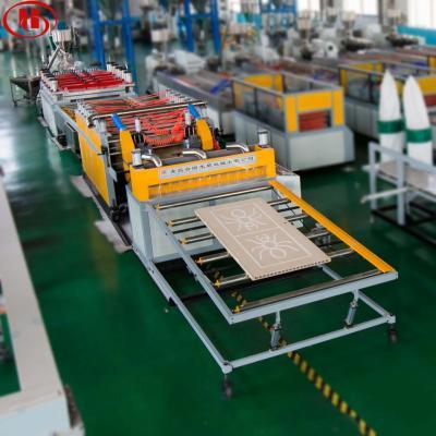 5-45mm Machine de fabrication de panneau de meubles de PVC et de bois de WPC