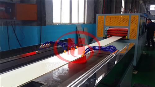 Экструзионная линия для производства панелей из ПВХ