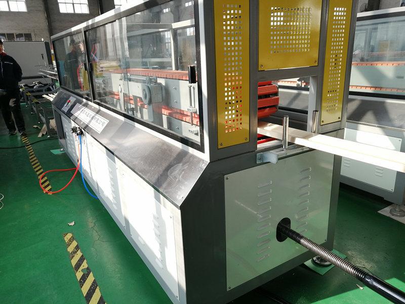 PVC WPC door frame haul off device