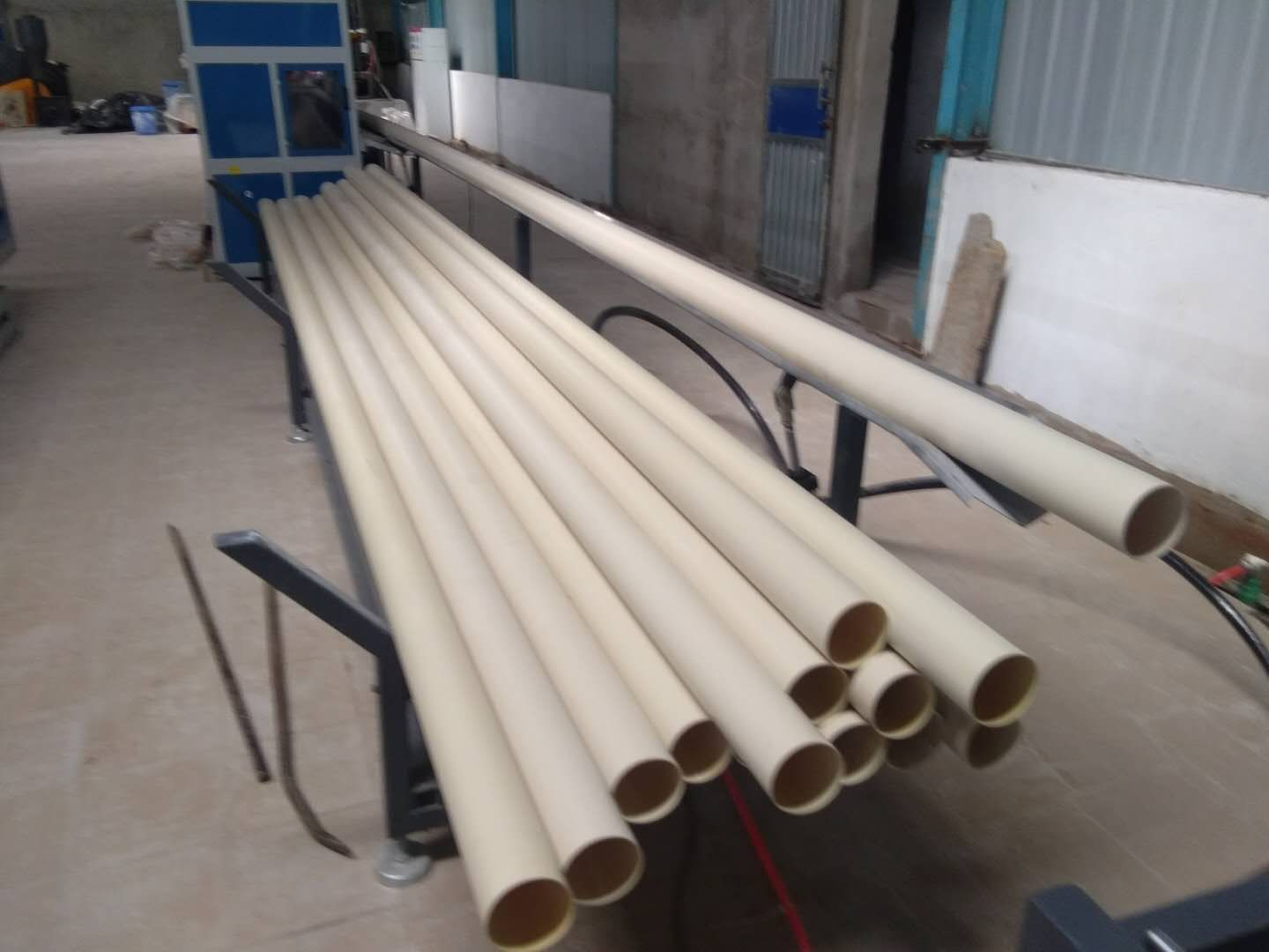 PVC pipe stacker
