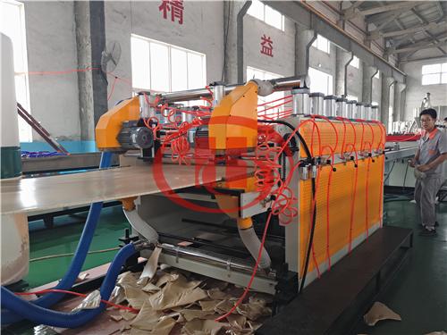 Edge cutting for WPC foam board machine