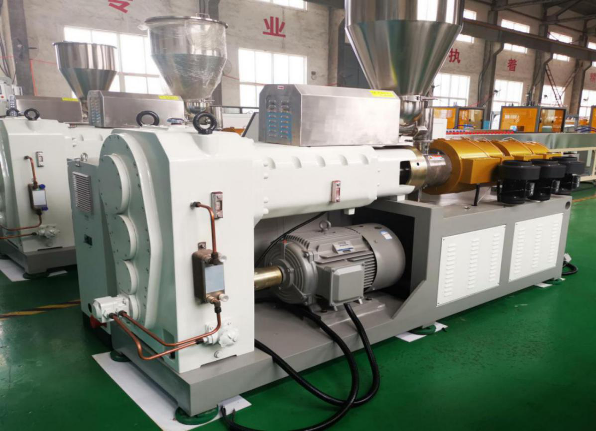 Siemens motor and famous gearbox