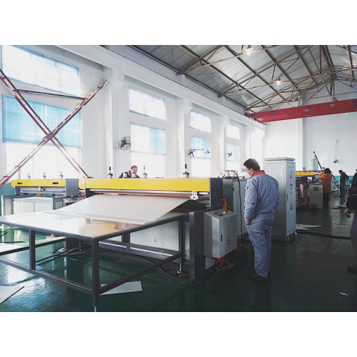 1.7mm thickness PP hollow corrugated sheet with 40 % fillmatch production line testing successful