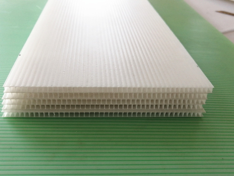 hollow corrugated sheet flame retardant materials