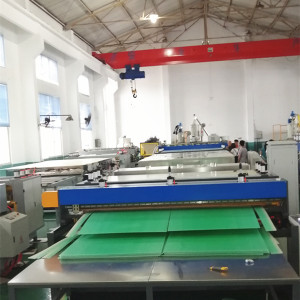Industrial Packaging PP PE PC Plastic Hollow Sheet/Plate/Board Making Extruder Machine price