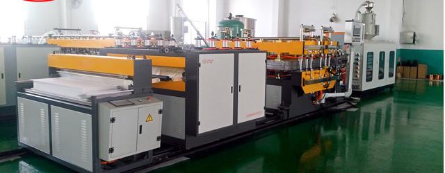 Machine de production de carton creux en plastique