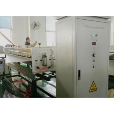 Machine de traitement de corona de RCH-2100 pour la préparation de surface ondulée creuse de feuille de pp
