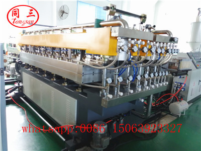 Mold and calibrator platform