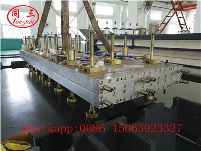 Calibrator platform for PP hollow sheet