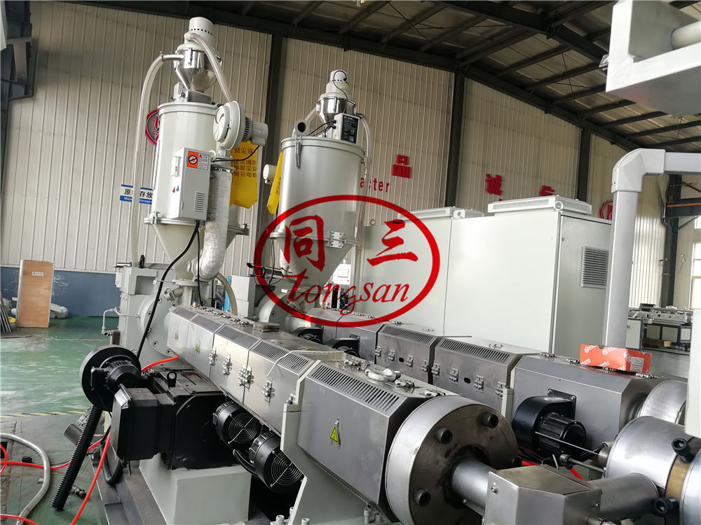 DWC drainage pipe extruder machine