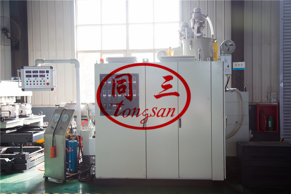 corrugated pipe machine extruding