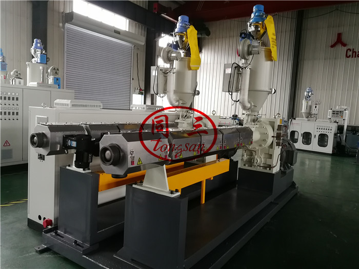 two extruders for double wall corrugated pipe machine