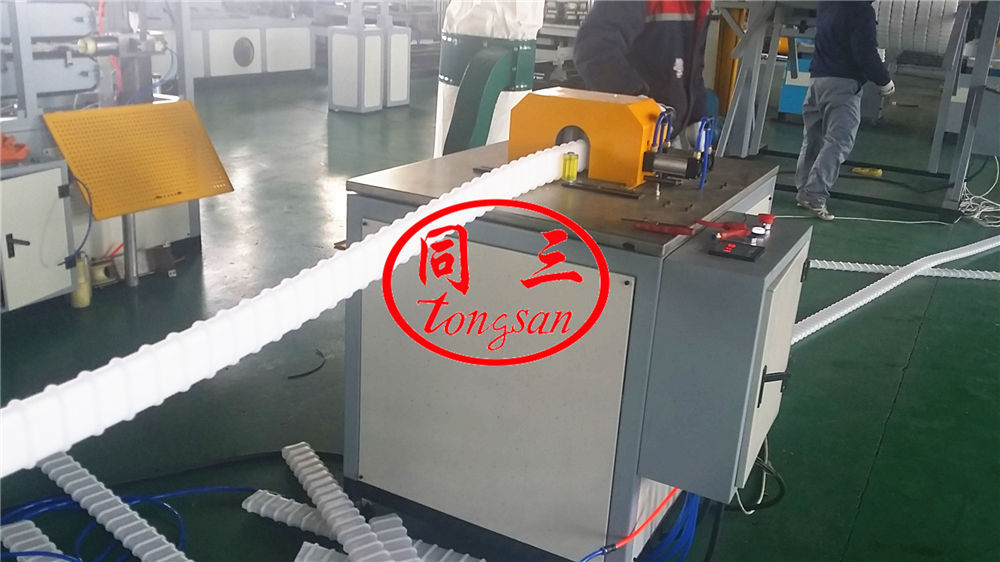 flat corrugated pipe cutting machine