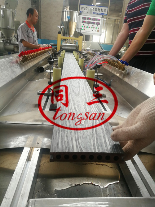 Co-Extrusion WPC Decking Making Machine With 3D Online Embossing Machine
