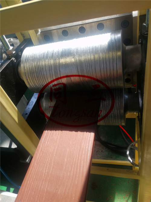 Wood Plastic WPC Surface Treatment Machine WPC Decking Embossing Brushing Sanding Machine