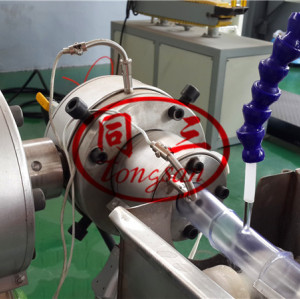 Soft pvc flexible pipe making machine / garden hose production line manufacturer