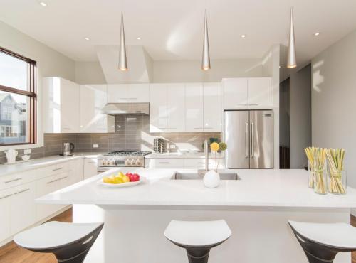 Gabinetes de cocina modernos lacados en blanco para la casa del proyecto en venta