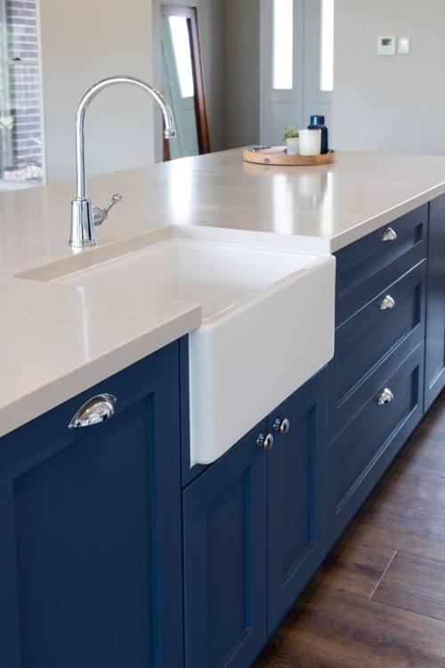Idées d'armoires de cuisine et de base de comptoir avec des dimensions personnalisées