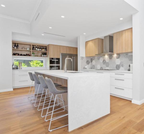 Opciones de gabinetes de cocina con acabado de melamina y tamaños personalizados