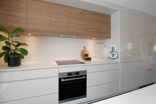 Melamine finish kitchen cabinet options plans with custom made size