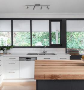 Australia townhouse project melamine and painting kitchen cabinet on sale