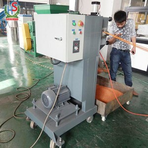 Film en plastique de rebut de sachets réutilisant le prix de ligne de machine de bouletage avec le compacteur