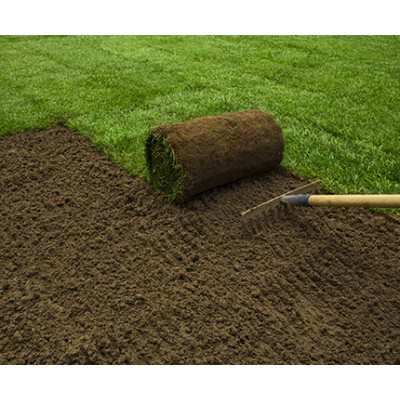 Application of water retaining agent in lawn planting